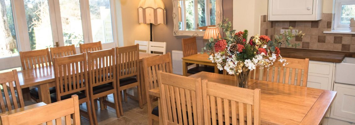 Dinning area seating for all guests